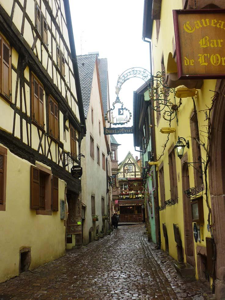 In Alsazia vedere le case a graticcio