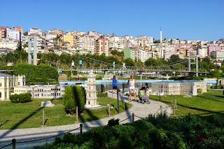 Miniatürk, Puente del Bósforo o Puente Atatürk o Bogazici.