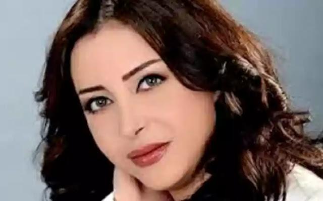 مذيعة مصرية تهرب من الاستيديو
