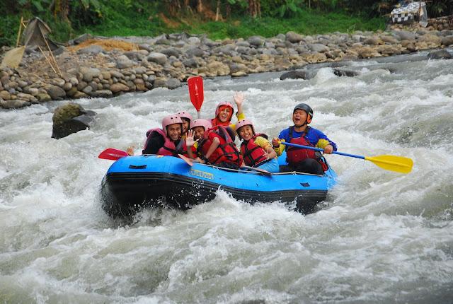 Arung Jeram di Sungai Serayu, Pilihan Wisata Bersama Keluarga di Banjarnegara