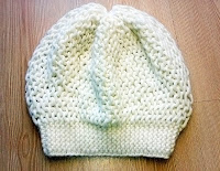 Beyaz renkli örgü haraşo şapka