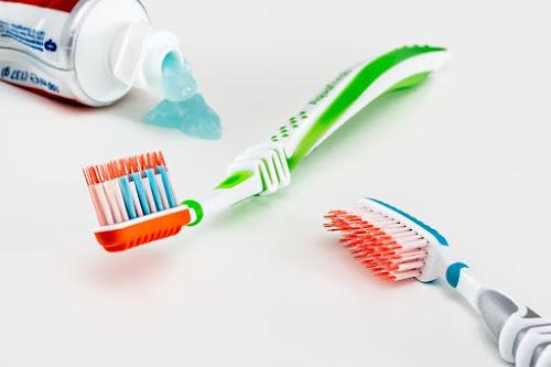 tips memilih sikat gigi