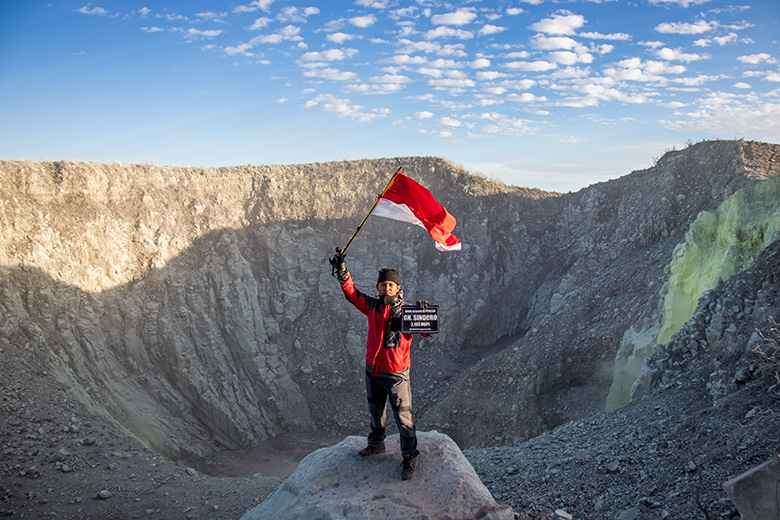 Kembali ke Puncak Gunung Sindoro, Awal Juli 2019