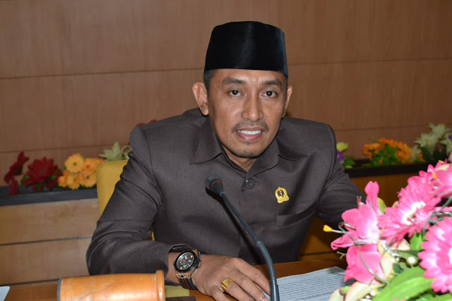Pimpinan Sementara DPRD Bone Bilang Legislator Bone Jangan Terlalu Murah Mengobral Haknya