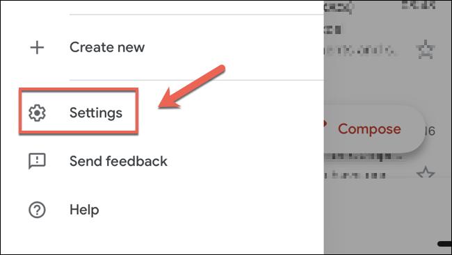 """اضغط على """"الإعدادات"""" في لوحة قائمة Gmail على iPhone أو iPad للوصول إلى قائمة الإعدادات."""