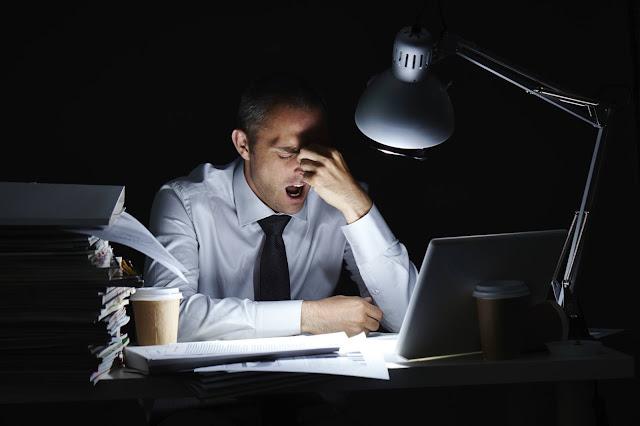 ظاهرة إدمان العمل