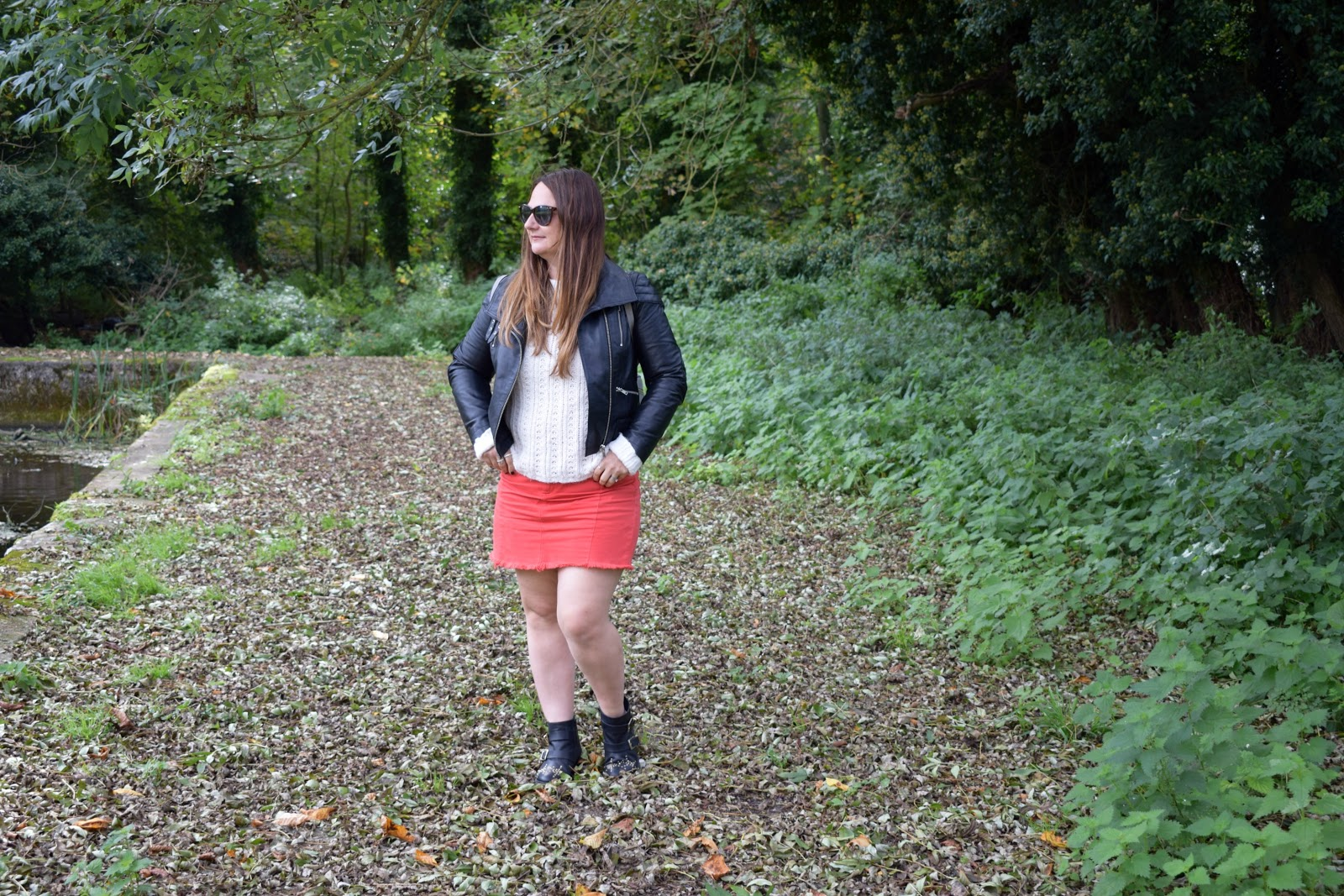 styling a denim skirt for autumn