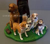 modellino personalizzato idea regalo compleanno  con animali domestici uomo con cani orme magiche