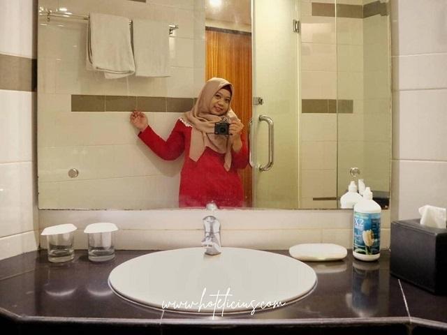 Swafoto di Toilet Kamar mandi Hotel