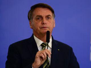 Bolsonaro fala sobre o risco de endividamento público em live