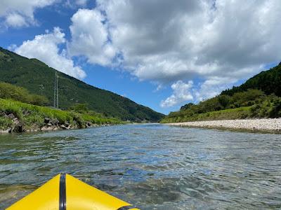 銚子川でパックラフトを楽しむ
