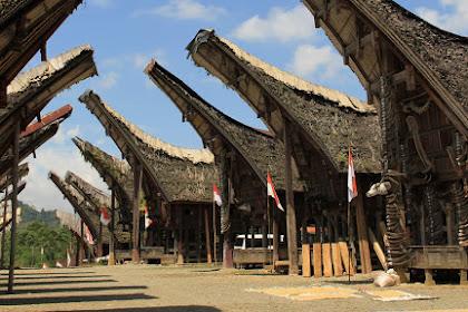 Toraja Dengan Banyak Sekali Pesona Dari Makam Kuno Sampai Lomba Lari !
