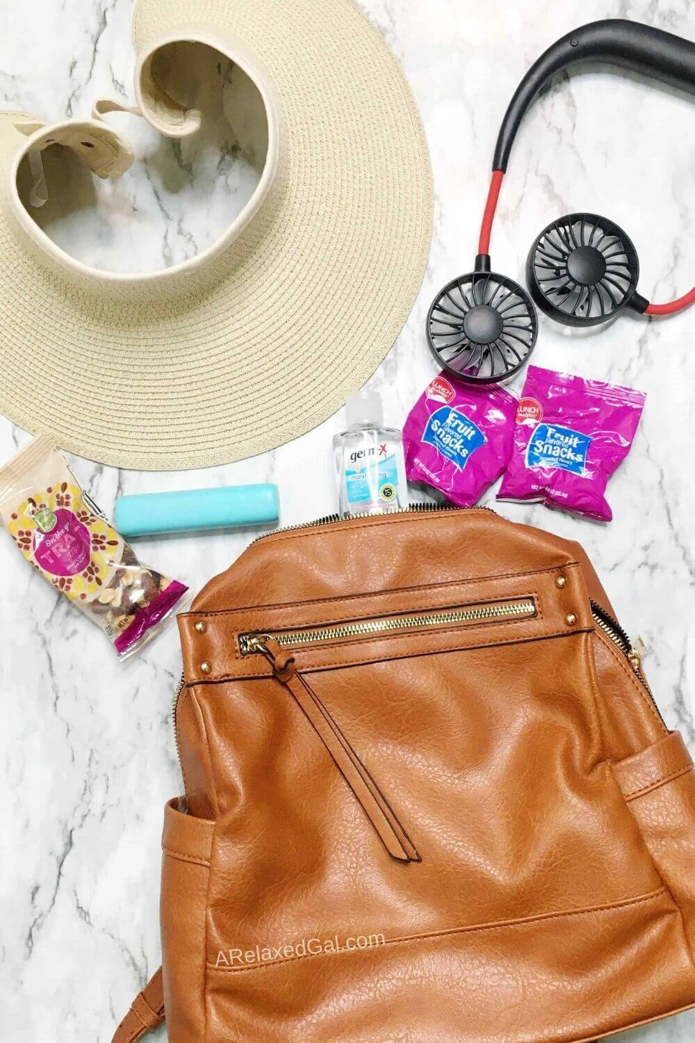 What To Wear And Pack For Next Summer Day Trip | A Relaxed Gal