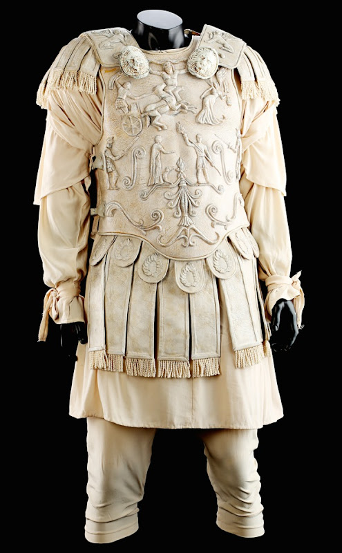 Joaquin Phoenix Commodus arena costume Gladiator