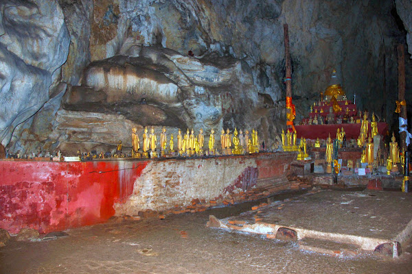 Buddhas in Pak Ou Caves