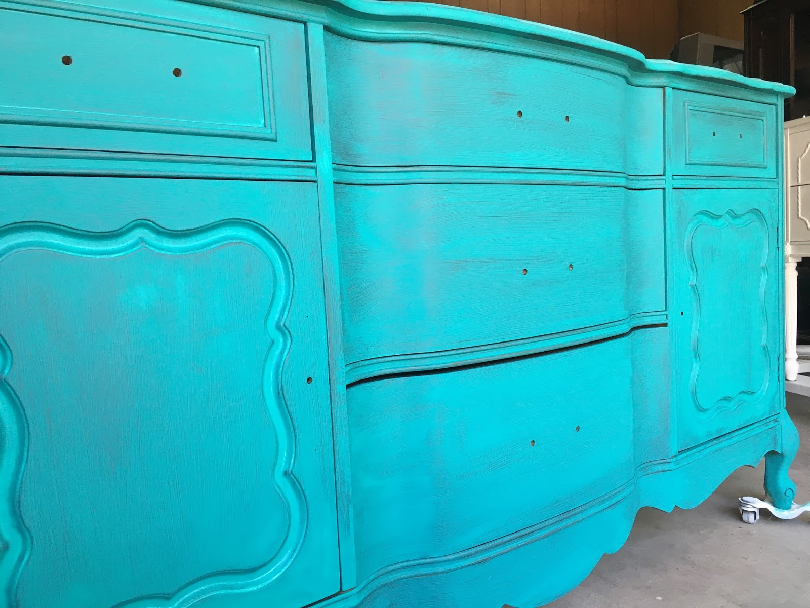 How to Create a Blended Paint Furniture Finish