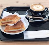 ゼブラカフェにてコーヒーブレイク