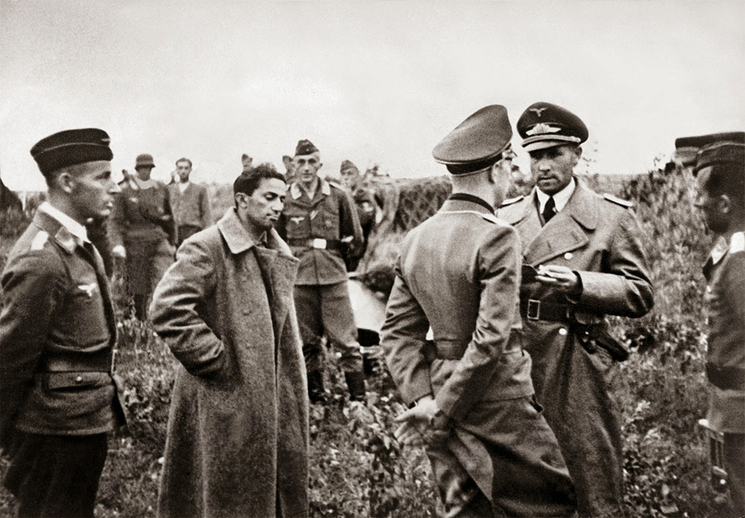 Yakov Dzhugashvili captured by Germans, 1941