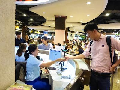 Food Court Pier 21, Terminal 21, Bangkok, Tailandia, La vuelta al mundo de Asun y Ricardo, vuelta al mundo, round the world, mundoporlibre.com