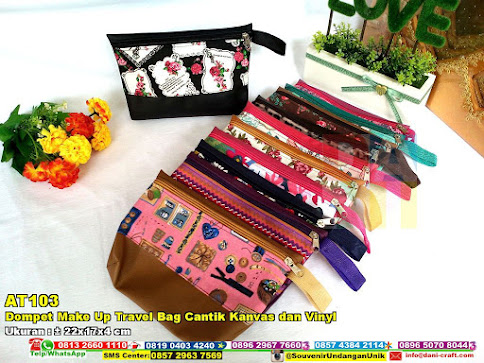 Dompet Make Up Travel Bag Cantik Kanvas Dan Vinyl