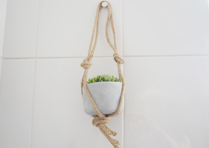 Bathroom Makeover with Sugru Hanging Basket DIY