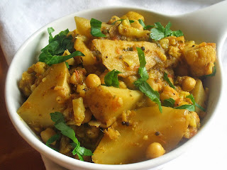 Aloo Gobi with Chickpeas (Potato and Cauliflower Curry)