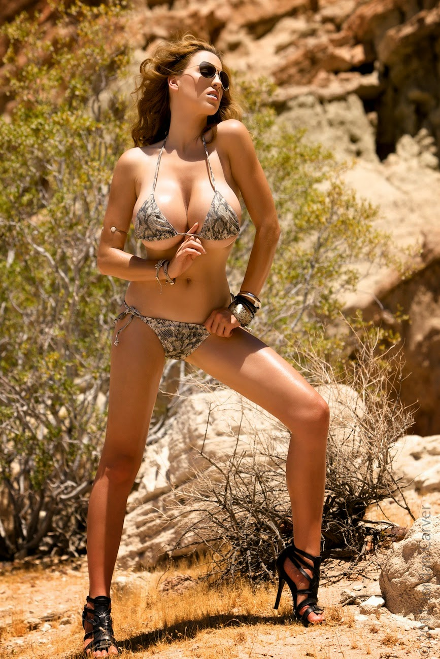 Jordan Carver Desert Queen Big Boobs Show In Tiny Bikini -6063