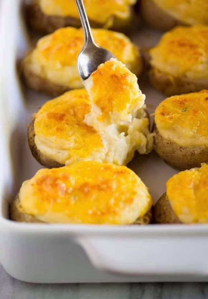 قوارب البطاطس بالجبنة