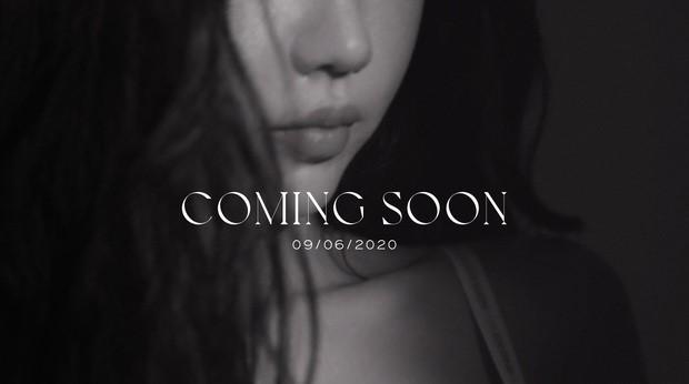 """Min """"lột xác"""" với loạt ảnh nội y khoe sắc vóc nóng bỏng khiến người hâm mộ không thể rời mắt."""