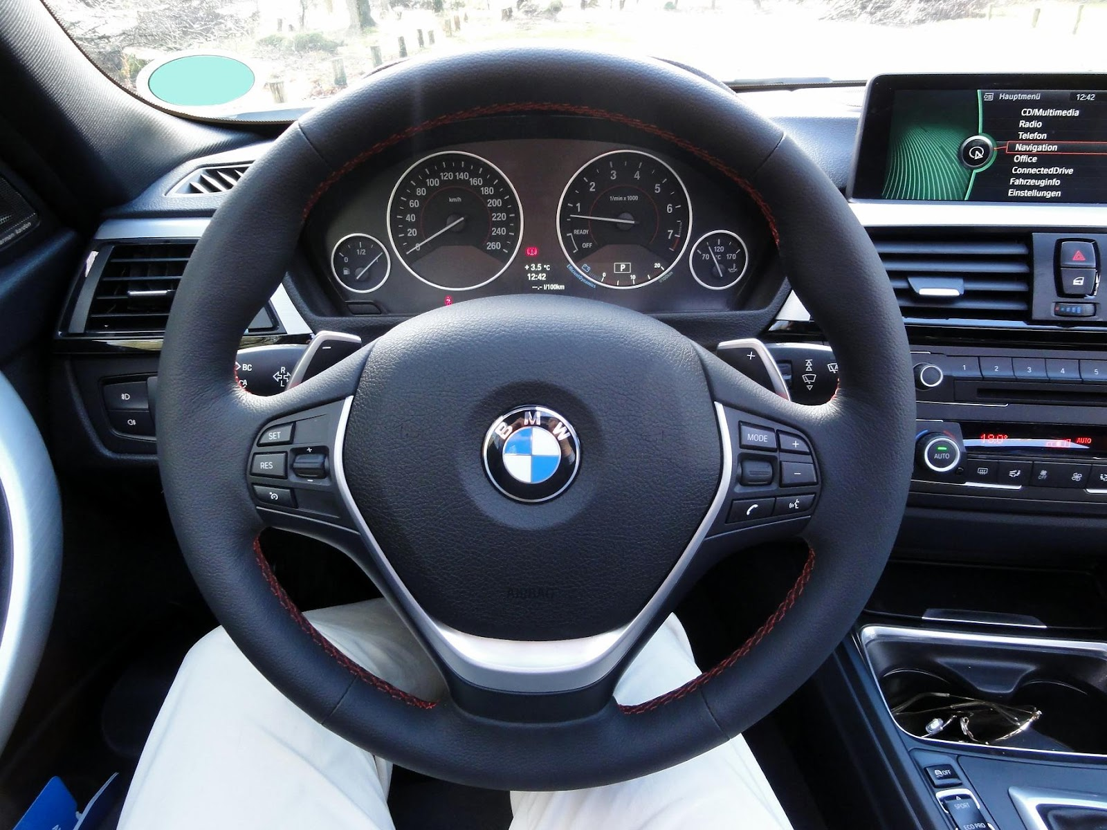 guitigefilmpjes car review bmw 335i sport line 2013 f30. Black Bedroom Furniture Sets. Home Design Ideas