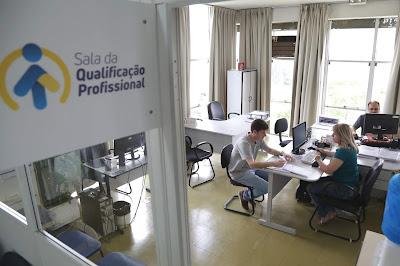 Sala de Qualificação Profissional da Prefeitura de Ponta Grossa