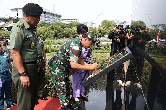 Monumen Patung Panglima Besar Jenderal Soedirman Setinggi 10,3 meter Diresmikan