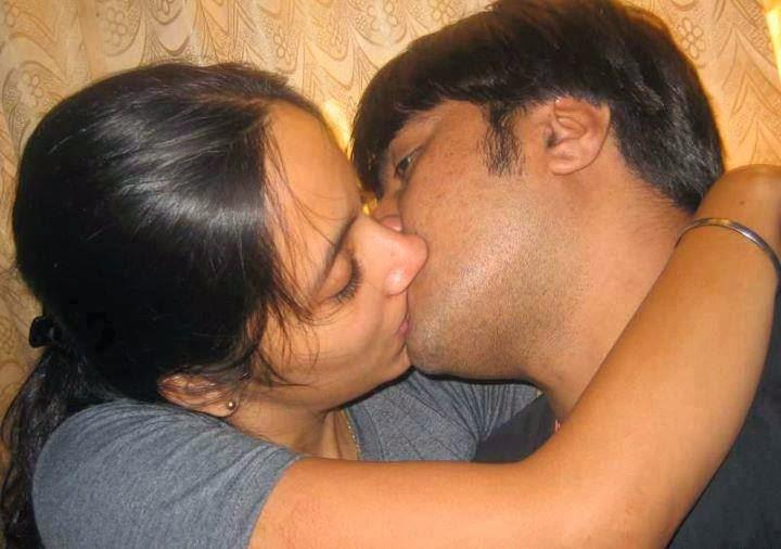 Malayali Girls Kissing