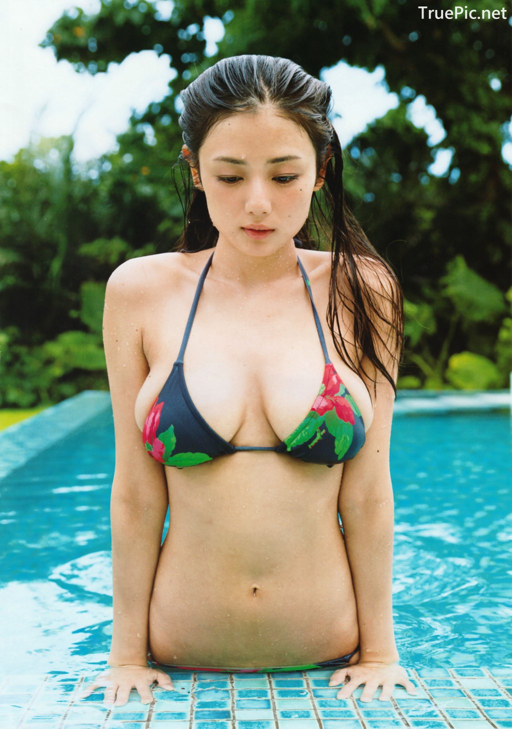 Image-Japanese-Actress-Gravure-Idol-Moemi-Katayama-Mermaid-From-Tokyo-Japan-TruePic.net- Picture-1
