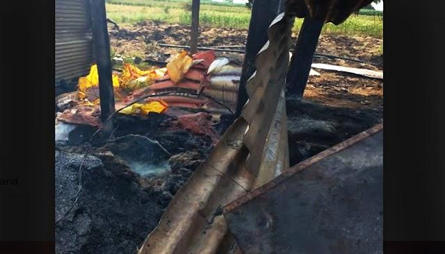 शेतक-याच्या गोठ्याला लागलेल्या आगीत बी-बियाणे खते औषधे भस्मसात - NNL
