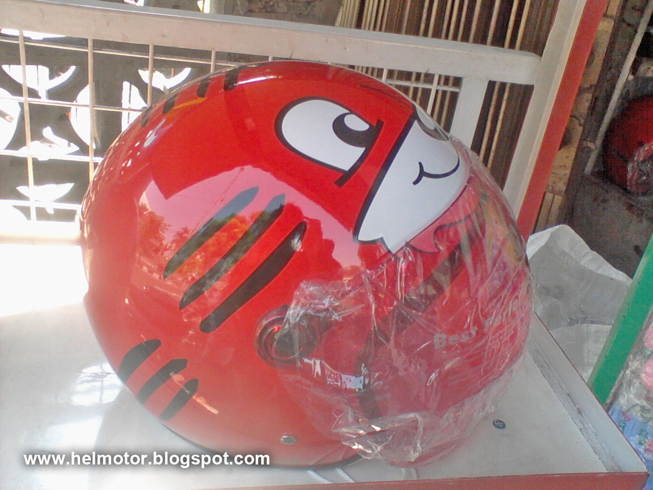 helm xzy red cat  Helm Vespa