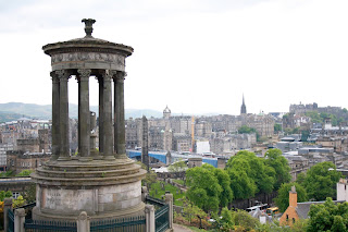 edinburgh climb calton hill city view