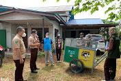 Bappeda Kapuas Hulu Terima Bantuan Tempat dan Gerobak Sampah dari TaNa Bentarum dan Saka Wanabakti