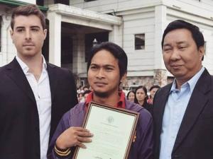 Kerana Jujur, Pemandu Teksi Ini Dapat Tawaran Bekerja Di Australia