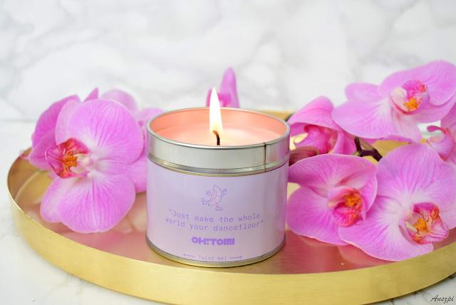 Rozpieść swoje zmysły wyjątkowym zapachem świecy Melon Candle Oh! Tomi ze sklepu Topestetic
