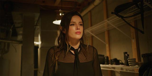 Bella Thorne en la home invasion MASQUERADE de Shane Dax Taylor