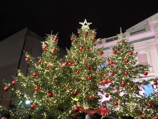 Με ΕΠΙΤΥΧΙΑ ο Χριστουγεννιάτικος στολισμός στο Δήμο Πειραιά! -photos