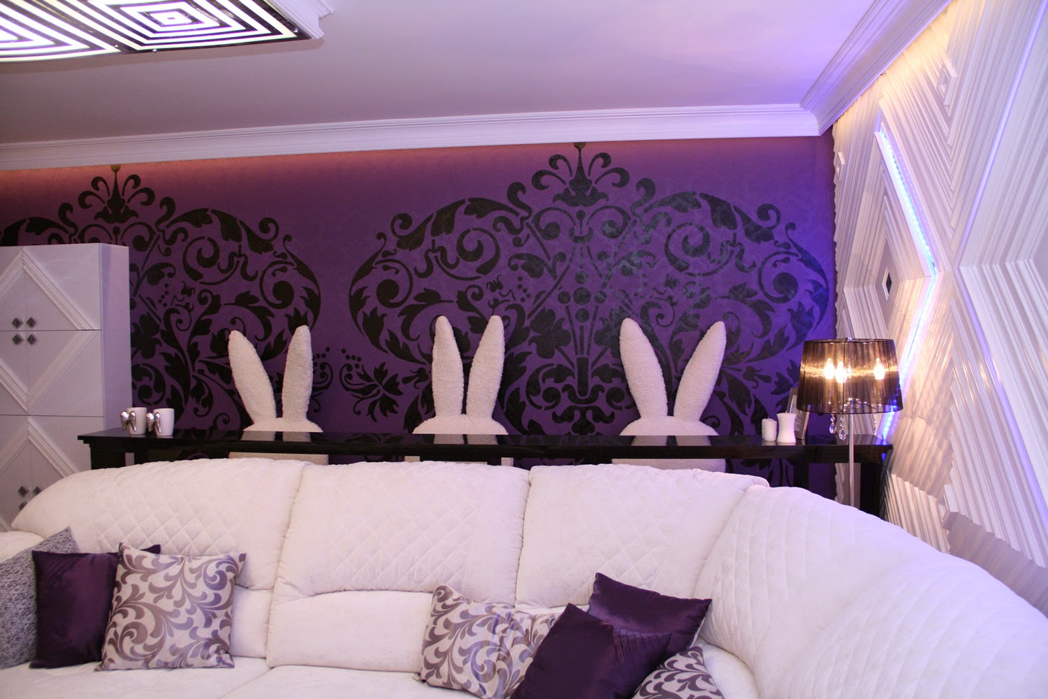 Home Styling Saveenlarge 15 Catchy Living Room Designs With Purple