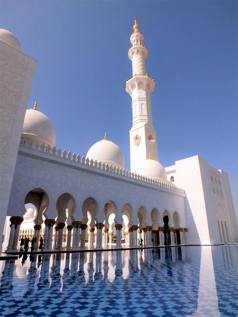 visitar la Gran Mezquita de Abu Dhabi