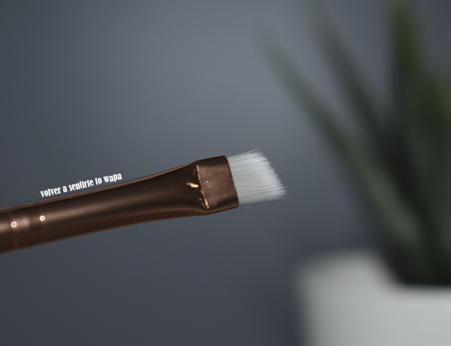 Eyeliner & Kajal - Precise Eyeliner Brush de Essence