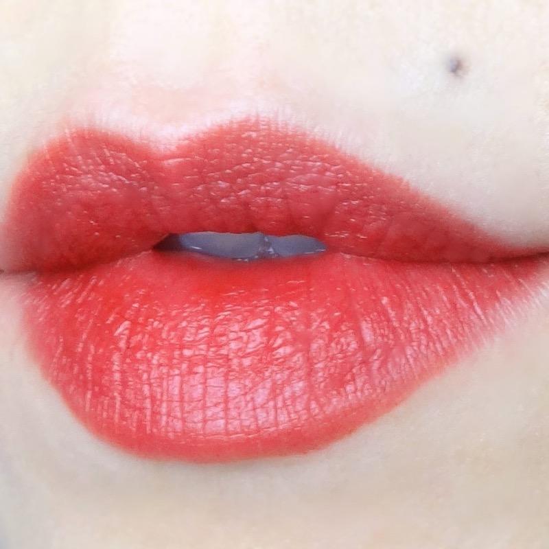 Le Lion de Chanel Lipstick Rouge Vie (58) swatch review
