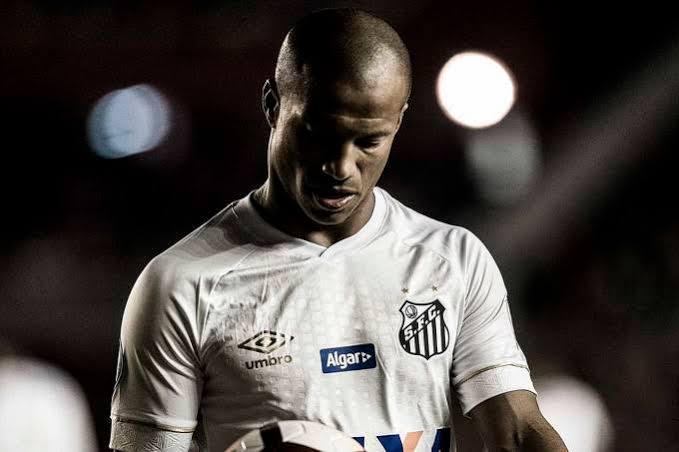 df7753c2b543f SANTÁSTICO RESENHA  5 jogadores que deixaram a torcida do Santos ...