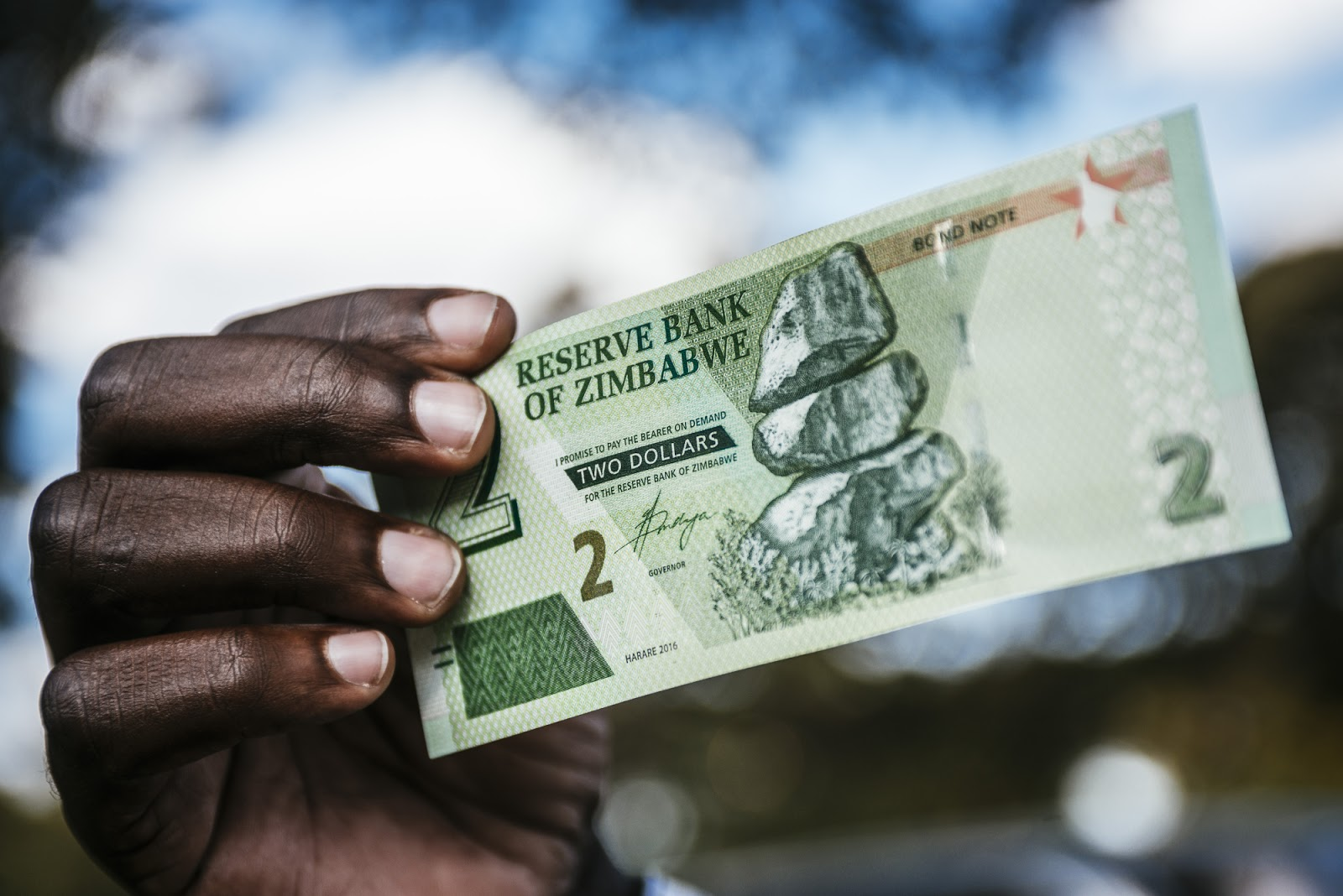 Breaking News - RBZ Says You Are Now Allowed To Use The US Dollar Locally!