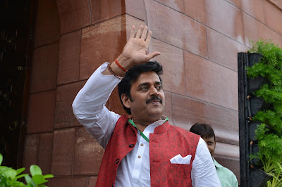 Ravi Kishan के खिलाफ मूवी माफिया की साजिश,