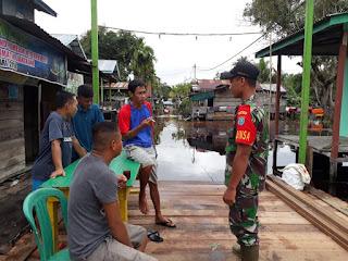 Pantau Wilayah Banjir, Koramil 1204-20/Jangkang Turun Lapangan